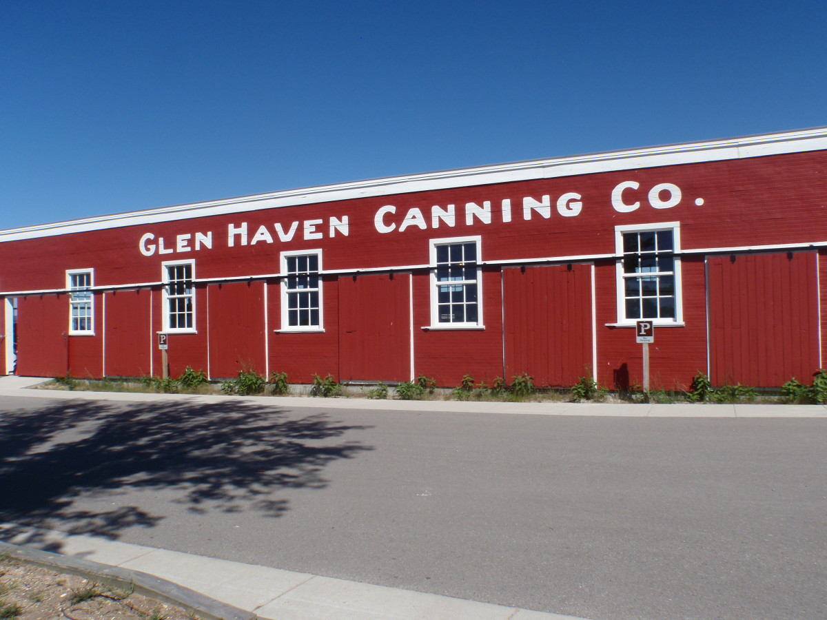 Louis warnes glen arbor sun for Glen haven